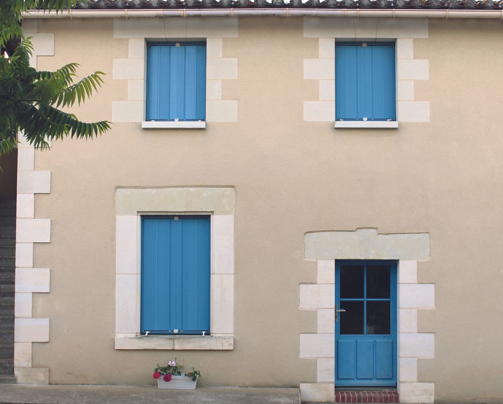 /uploads/persienne_coulissante_bleue_2_ce256ab877.jpg